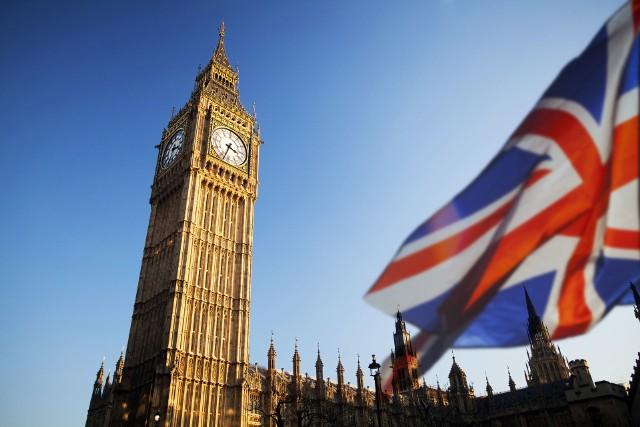 Koronawirus na świecie. Wielka Brytania zaostrza kurs