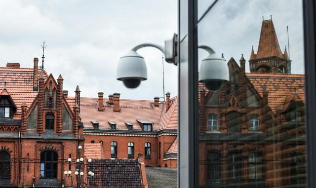Wystarczy wyładowanie atmosferyczne i monitoring - nie tylko miejski - w rejonie Starego Rynku zaczyna ślepnąć...
