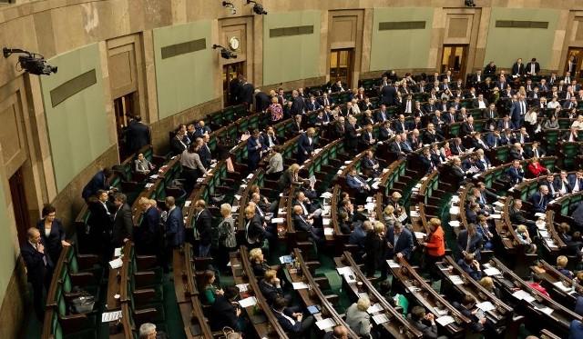 W środę wieczorem Sejm uchwalił ustawę Prawo oświatowe