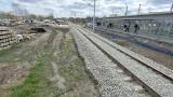 Dąbrowa Górnicza. Nowe perony, tory kolejowe, tunele. Pasażerowie w maju skorzystają już z efektów przebudowy śródmieścia