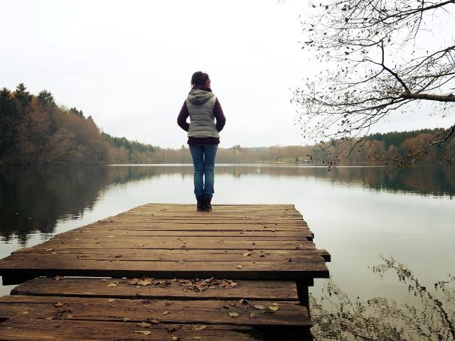 Menopauza i objawy z nią związane bywają uciążliwe dla kobiety. Można sobie z nimi radzić na wiele sposobów.