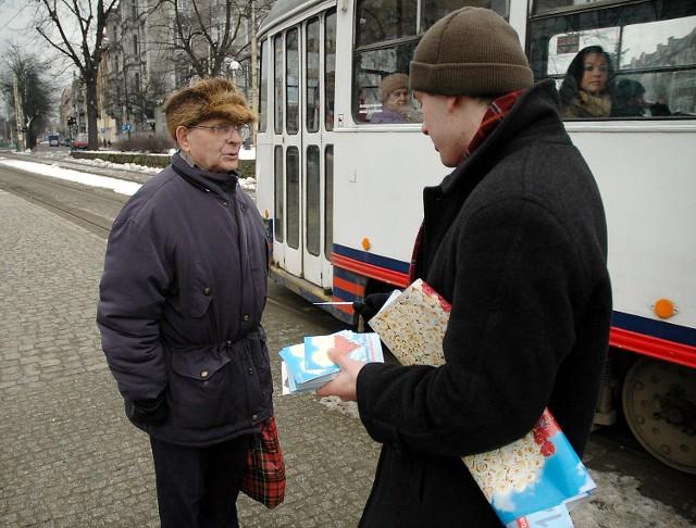 Zygmunt Sikorski nie chciał przyjąć patriotycznej Walentynki. Stwierdził, że państwo mu się nie podoba.