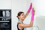 Sprzątanie mieszkania. Płyn do mycia naczyń nie tylko do talerzy