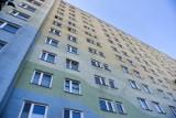 Oluś, który wypadł z 11. piętra wieżowca w Torunia, to szczęściarz