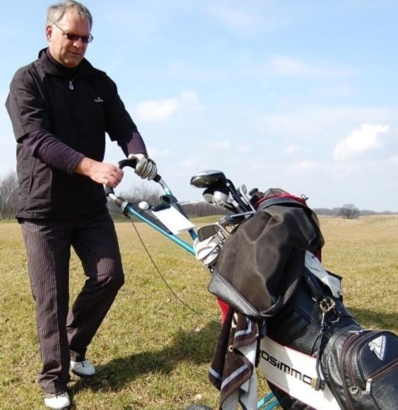- Jestem zaskoczony. To piękne pole, znakomicie wpisane w naturę - zapewnia Stefan Kołtuński z Poznania, który uczestniczył w turnieju otwierającym tegoroczny sezon w Modrym Lesie.