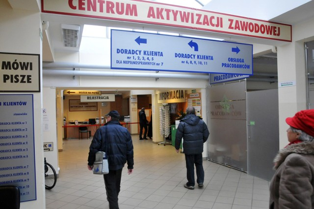 Dzisiaj Światowy Dzień Walki z BezrobociemJednym z najgroźniejszych zjawisk na polskim rynku pracy jest długie ponad 12 mies. pozostawanie bez pracy
