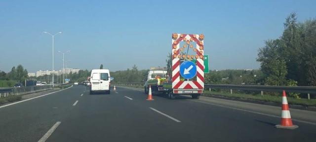 Wymiana znaków na całym odcinku Drogowej Trasy Średnicowej w Świętochłowicach