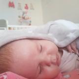 Mała Maja choruje na rdzeniowy zanik mięśni. Żeby jej pomóc, artyści nagrali piosenkę