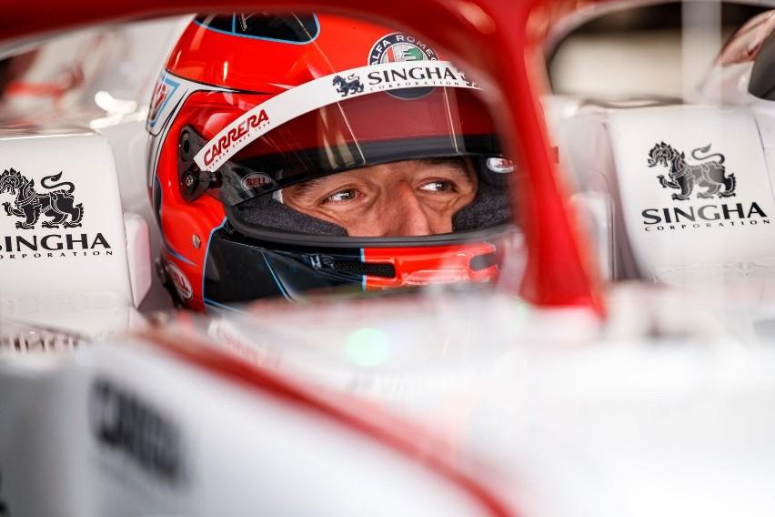 """Testy Formuły 1 w Bahrajnie bez Roberta Kubicy. """"Ma już..."""