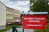 Koronawirus w Miechowie. Trudna sytuacja w szpitalu, poprawa w miejskich domach pomocy społecznej