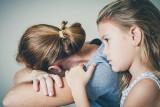 Bydgoszczanka 13 lat żyła z mężczyzną i urodziła mu 3 córki. Nie wiedziała jednak, że jest żonaty i ma inne dzieci