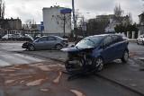 Wypadek na skrzyżowaniu ul. Żeromskiego. Dwie osoby wylądowały w szpitalu