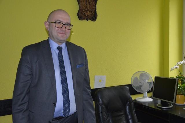 Jan Znamiec nie chciał się sfotografować w dyrektorskim fotelu. - To miejsce dla kogoś innego - zastrzega
