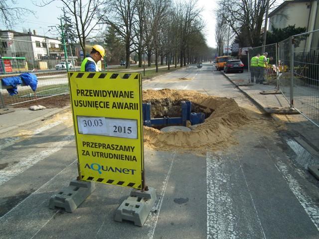 Awaria kanalizacji na al. Wielkopolskiej usunięta. Koniec utrudnień