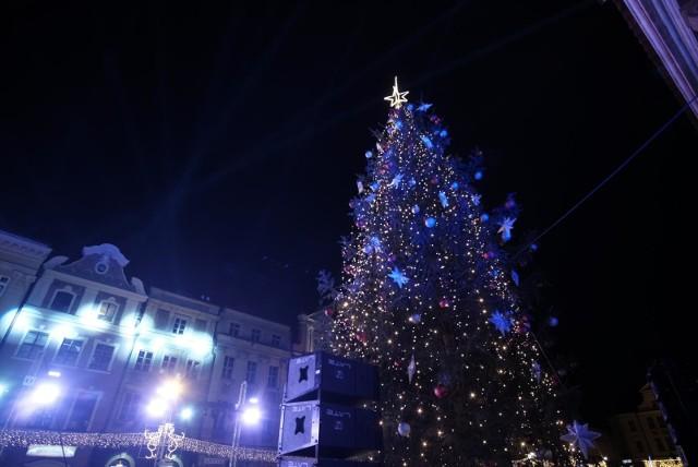W najbliższą sobotę, 30 listopada rozpocznie się druga część Betlejem Poznańskiego. Na Starym Rynku stanie bożonarodzeniowy kiermasz oraz rozbłyśnie miejska choinka. Na poznaniaków i turystów do 22 grudnia będzie czekało wiele świątecznych atrakcji zarówno na placu Wolności jak i na Starym Rynku.