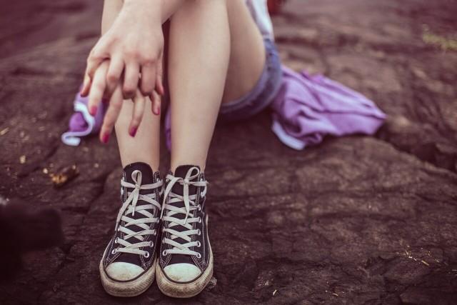 Problem samookaleczeń dzieci i młodzieży narasta. Co się za nim kryje?