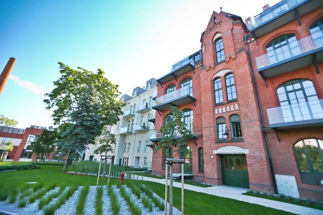 Bulwar Staromiejski to kompleks 14 budynków na terenie 2,6 hektara. Teren ten, lepiej znany jest jako stary szpital imienia Babińskiego i mieści się nieopodal placu Jana Pawła II w samym centrum miasta.