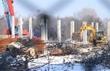 Inowrocław. Trwa budowa nowych wielkopowierzchniowych placówek na terenie Inowrocławia. Będzie nowy Lidl i Dino. Zdjęcia