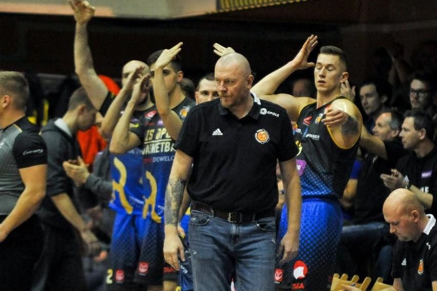 ... i koszykarze z Opola.