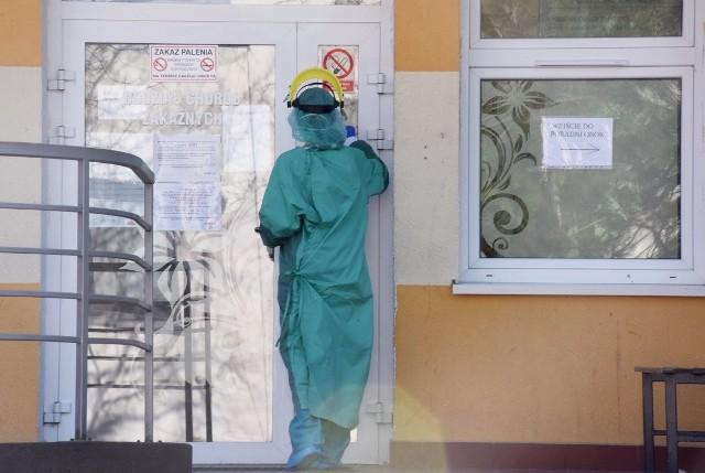 Obecnie na terenie województwa lubuskiego przebywa 33 pacjentów zakażonych koronawirusem. W Polsce w tym momencie jest już 1638 potwierdzonych przypadków i 18 ofiar śmiertelnych.