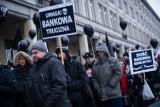 Kredyty we frankach: Kara UOKiK za nieuwzględnianie ujemnego oprocentowania