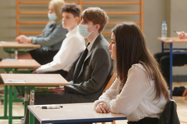 Znamy wstępne wyniki egzaminu ósmoklasisty.
