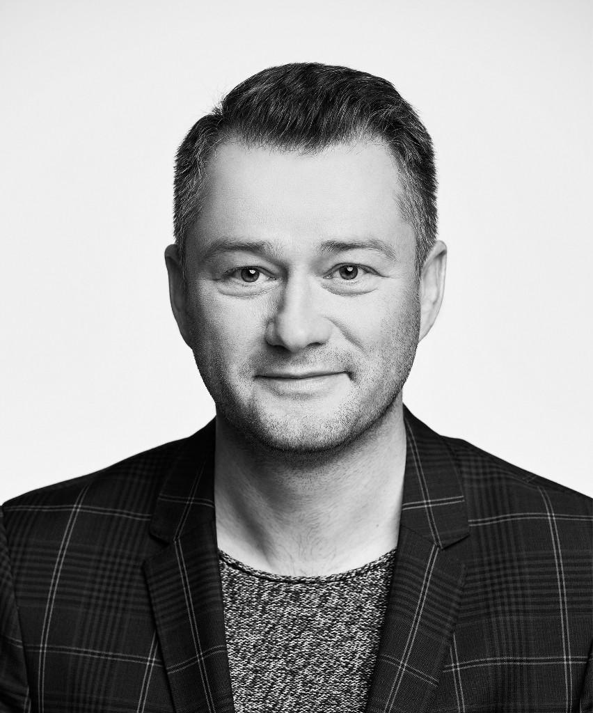 """Jarosław Kuźniar: Kiedy udostępniłem rozmowę z Tomkiem Sekielskim, otrzymałem feedback: """"Tego potrzebowałam"""""""
