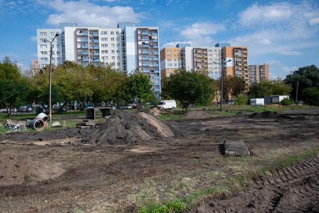 Prace nad wybiegiem na terenie po dawnym cmentarzu zostały wstrzymane