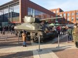Święto Niepodległości w Łodzi. Czołg M4 Sherman i parada grup rekonstrukcyjnych