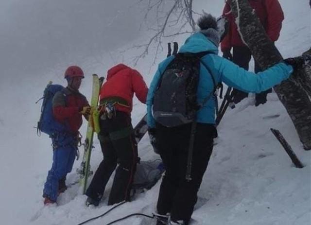 Turyści utknęli na niemal pionowej ścianie i konieczna była interwencja ratowników GOPR
