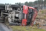 Wypadek na trasie Bytów-Dziemiany. 20-letni kierowca ranny (ZDJĘCIA I WIDEO)