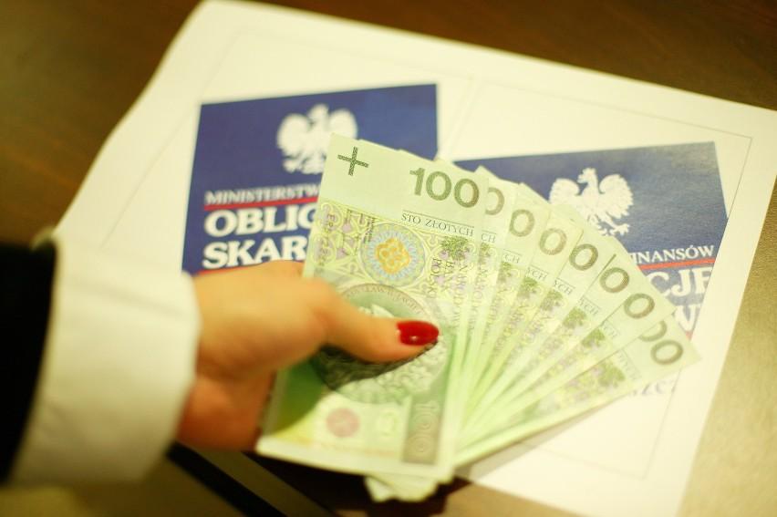 Rekordowo dużo Polaków chce zarobić na obligacjach Listopadowej 11