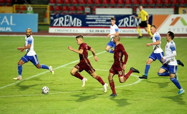 Chojniczanka Chojnice biegnie do 1 Ligi. Po udanej jesieni kibiców czeka równie emocjonująca piłkarska wiosna
