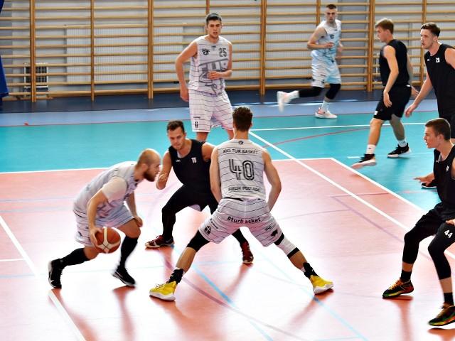 Tur (na biało) w pierwszym sparingu przegrał z Polonią Warszawa