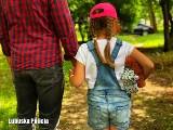 """Zaginięcie dziecka. Ten filmik działa na wyobraźnię! ,,Rozmawiaj ze swoim dzieckiem o zagrożeniach. Zanim dojdzie do tragedii"""""""