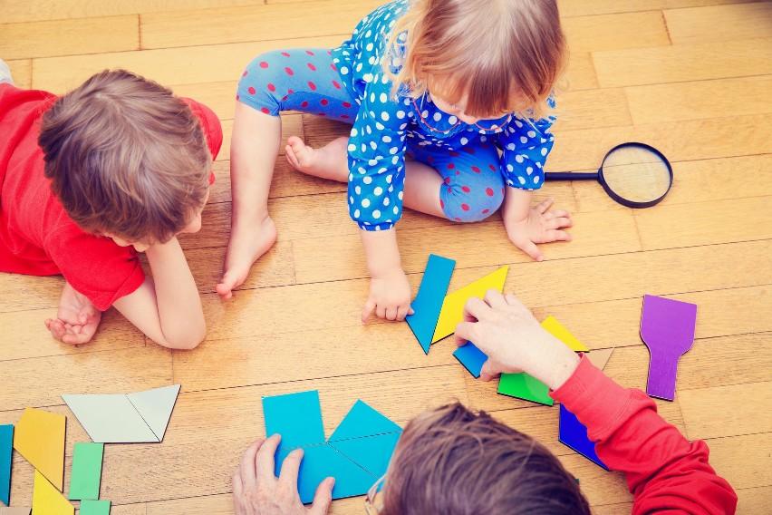 Programowanie w polskich szkołach. Mniejsze miejscowości nie radzą sobie z technologią