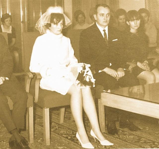 Ślub Kresowianki i Ślązaka, Teresy Kułagi i Jana Cofałki, w 1969 r. w opolskim ratuszu.