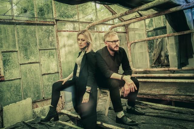 """Gorzowianie, jako Fishecletic nagrali już trzy płyty. Piosenka """"Chodź"""" z ostatniej płyty zatytułowanej """"Jeszcze nie znikaj"""", gościła na Liście Przebojów Programu Trzeciego."""