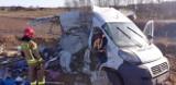 W Antoniówce w powiecie stalowowolskim pociąg staranował samochód. Dwie osoby ciężko ranne [ZDJĘCIA]