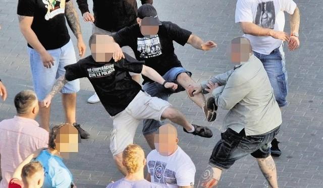 Bójka pod Galerią Veneda w Łomży. 16 osób z zarzutami / Zdjęcie ilustracyjne