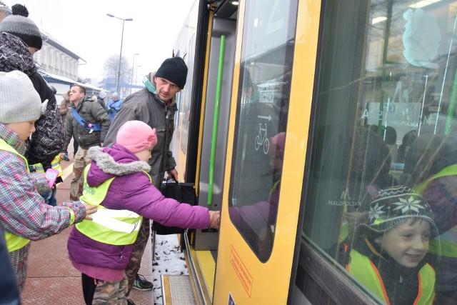 Rusza linia Szybkiej Kolei Aglomeracyjnej na trasie Skawina - Kraków. Przejazdy pociągów trwają od 22 do 28 minut