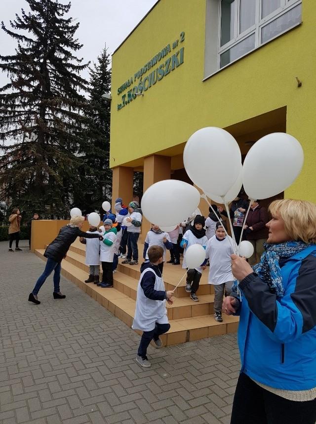 """Projekt """"Jedzmy odpowiedzialnie"""" w SP nr 2 w Skierniewicach."""