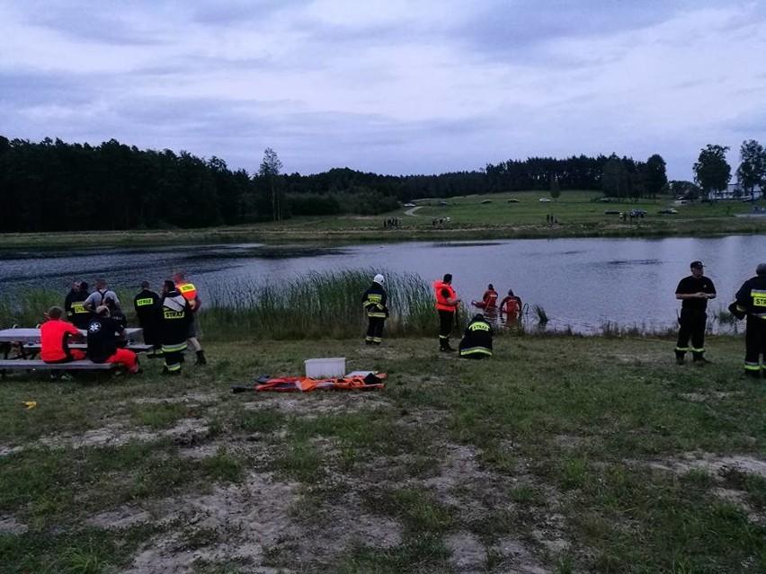 Służby ratownicze i strażacy poszukiwali mężczyzny, który...