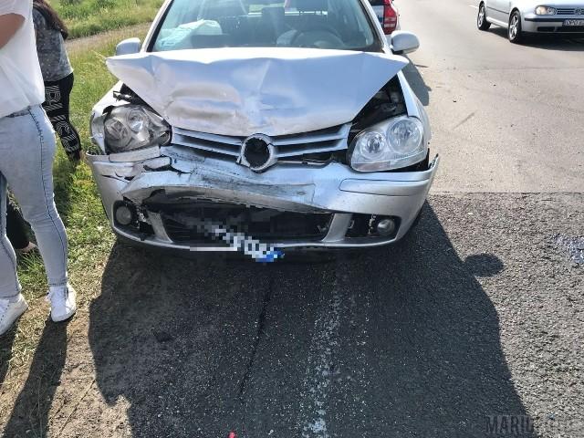 Pięć samochodów zderzyło się na obwodnicy Opola. Kierujący vw golfem nie zachował bezpiecznej odległości od poprzedzającego go vw polo i najechał na jego tył. Polo uderzyło w forda, ten w mercedesa, który najechał na mazdę. Sprawca został ukarany 500-złotowym mandatem. Zgłoszenie kolizji policja otrzymała o godz. 15.10.