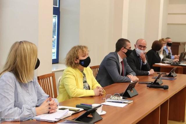 O budżecie Włocławka i zarządzeniu prezydenta dotyczącym kredytu radni rozmawiali 11 maja na sesji