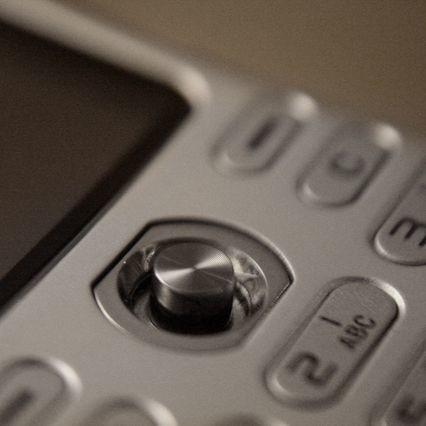 Klienci sieci Plus w Białymstoku mieli dziś spory problem z dodzwonieniem się ze swoich aparatów. Wszystko przez przecięty światłowód