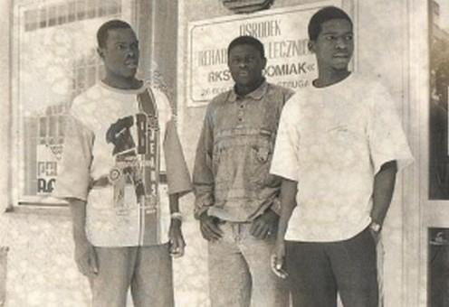 W historii Klubu Sportowego Radomiak Radom grało 41 obcokrajowców. W tym sezonie do radomskiego klubu dołączyło pięciu - Brazylijczyk z włoskim paszportem Raphael Rossi, Słoweniec Rok Sirk, Amancio Fortes rodem z Angoli z portugalskim paszportem, Portugalczyk Filipe Nascimento oraz Mamadu Cande, rodem z Gwinei Bissau z portugalskim paszportem. Dotychczas w Radomiaku, grało najwięcej Nigeryjczyków, bo aż ośmiu.Na zdjęciu: Lioyd Chitembwe - Zimbabwe (1994/1995 wiosna) Prince Matore - Zimbabwe (1994/1995 wiosna) Gift Muzadzi - Zimbabwe (1994/1995 wiosna).Zobacz zdjęcia>>>