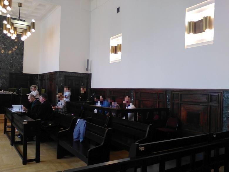 Oskarżeni stawili się na rozprawę