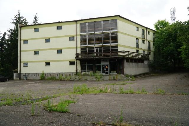 """Budynek """"Wenus"""" był głównym budynkiem całego Ośrodka Szkolenia Policji. To tutaj znajdowała się główna recepcja."""