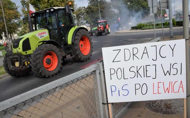 W ramach protestu przeciw nowelizacji ustawy o ochronie zwierząt rolnicy z powiatu inowrocławskiego jechali w żółwim tempie traktorami z Gniewkowa przez Inowrocław do Złotnik Kujawskich. W Inowrocławiu na drzwiach biura senatora Krzysztofa Brejzy przylepili petycję